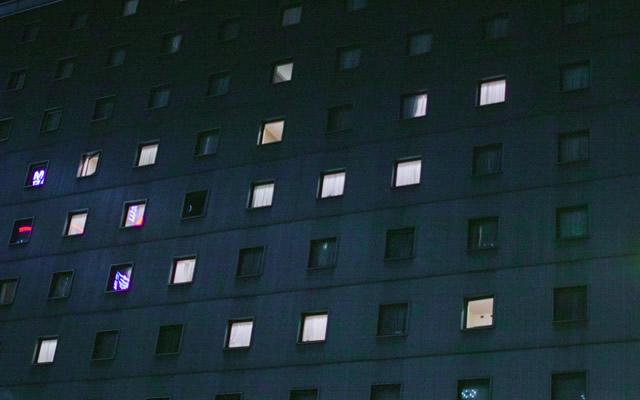 親友の見舞いのために病院を訪れた私は黒い影と遭遇してしまうの画像