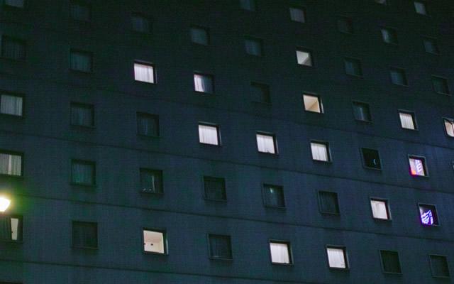 深夜に現れた謎の黒い影。強烈な金縛り体験の画像